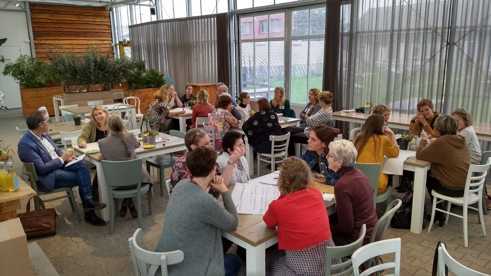 Op de bijeenkomst 'Onbegrepen gedrag bij dementie' gingen deelnemers met elkaar in gesprek over oplossingen